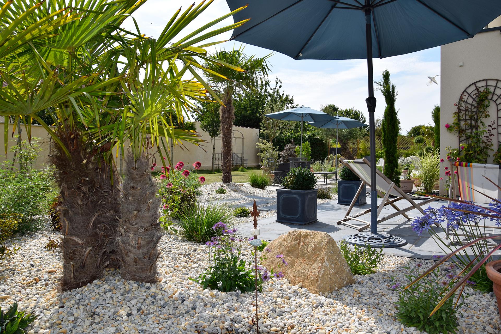 Jardin authentique et moderne à Rots, Calvados