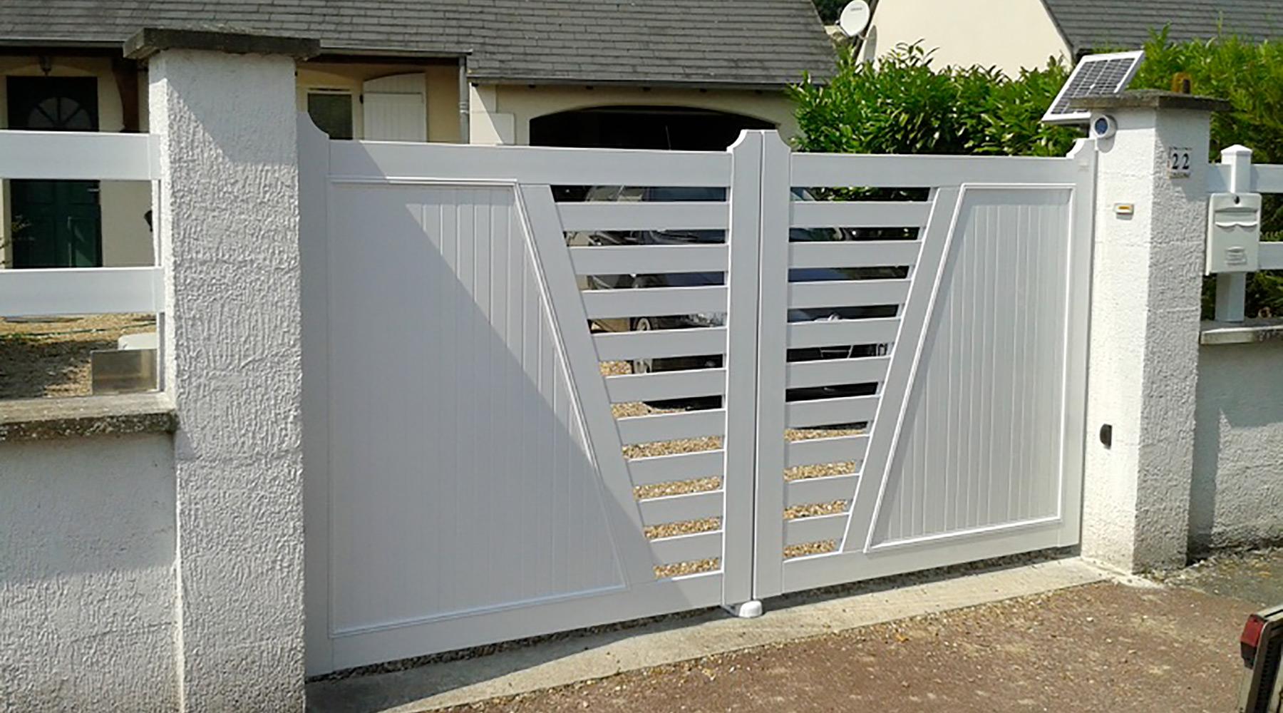 Installateur de portail et portillon en PVC | Paysages Conseil