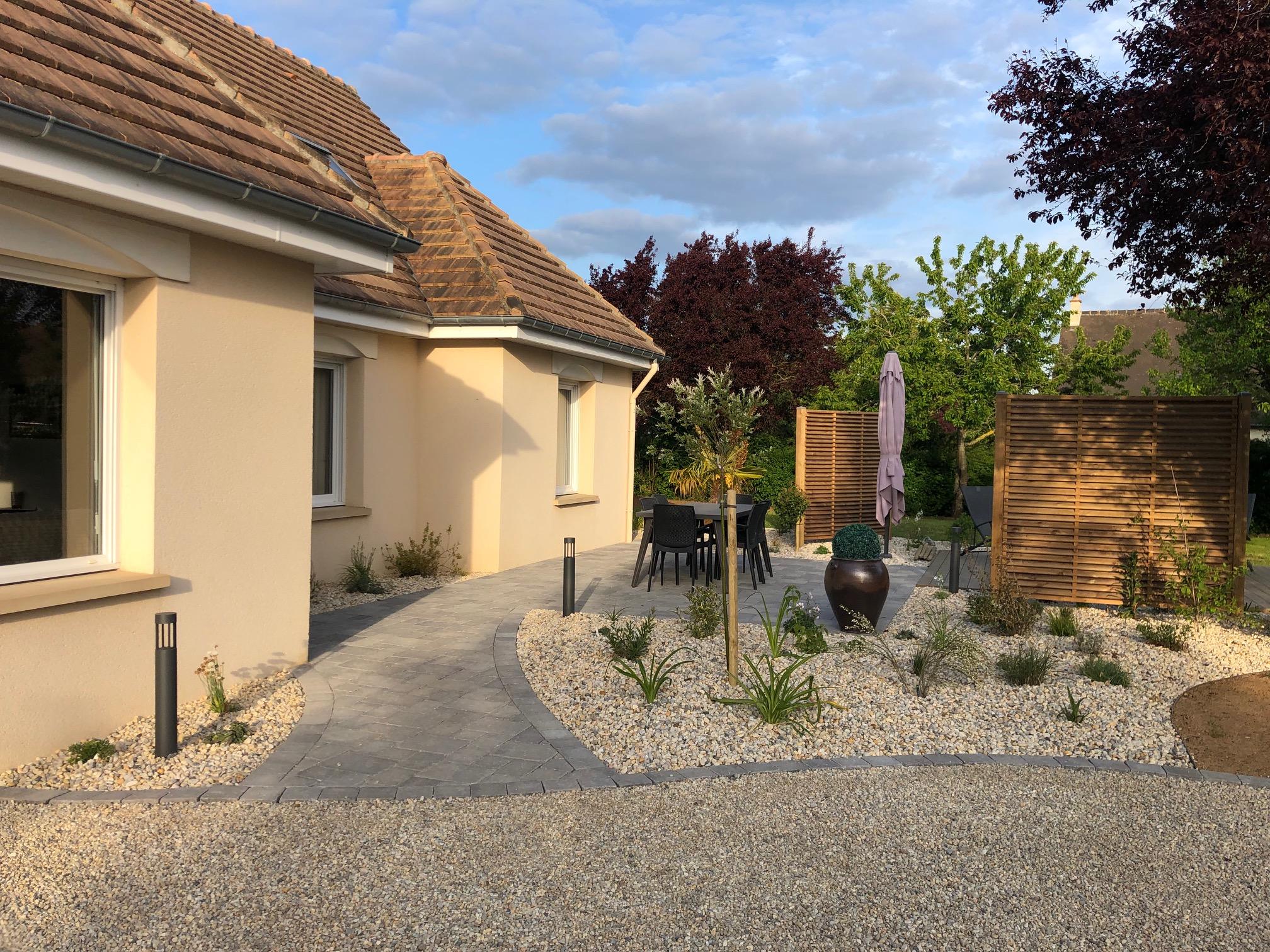 Aménagement Extérieur Entrée Maison aménagement d'entrée de maison en pavé | paysages conseil