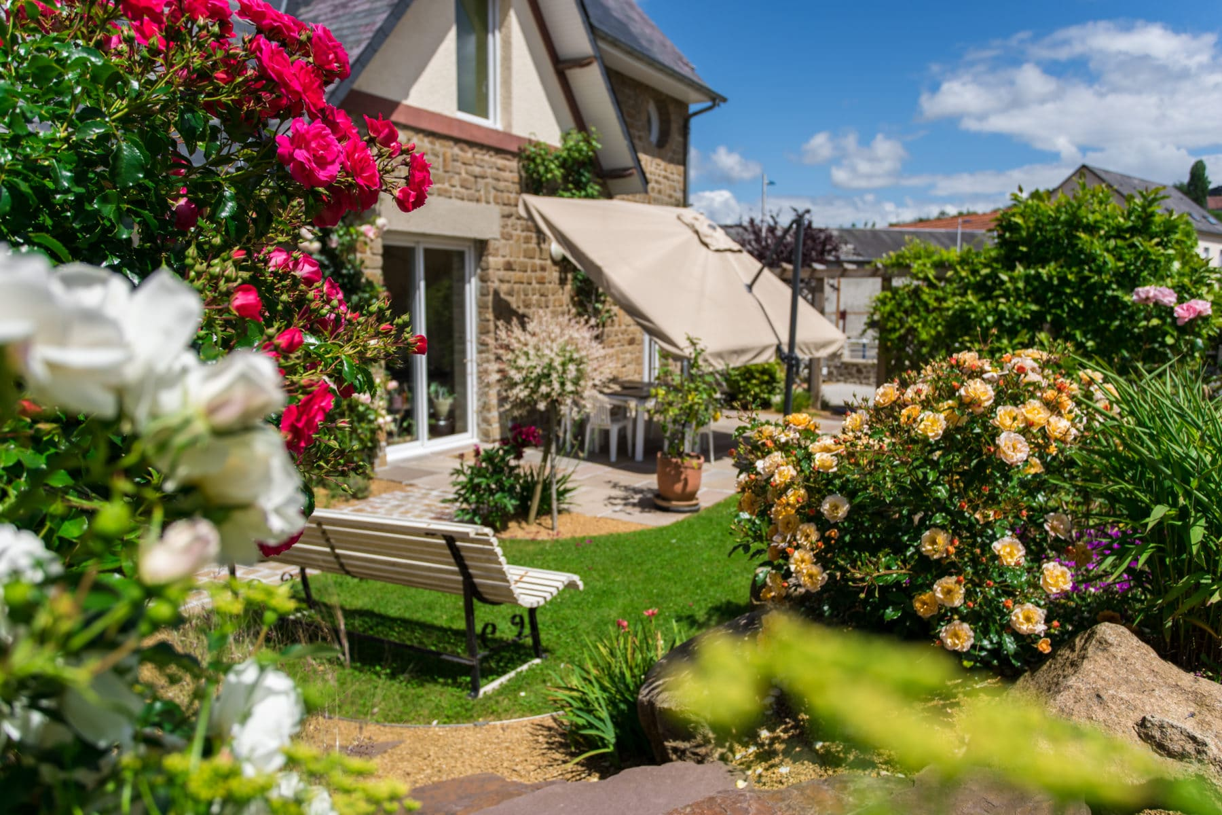 Aménagement de jardin naturel au coeur du centre ville de Vire, Calvados