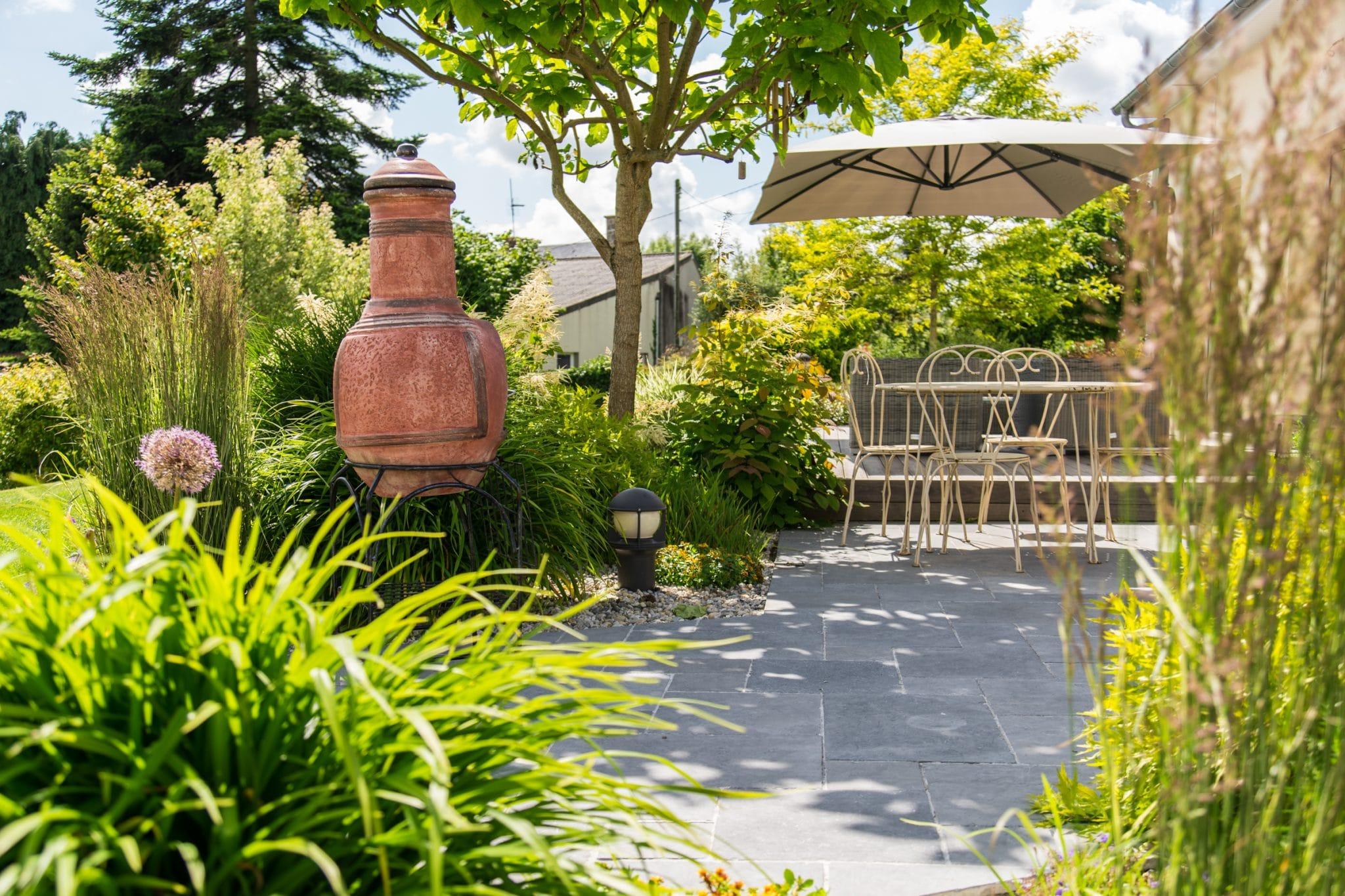 Une terrasse en bois ouverte sur le jardin, Calvados